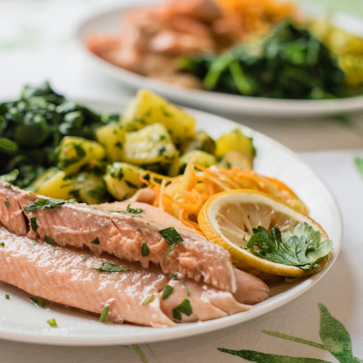 Goldforelle mit Spinat und Kartoffeln | Goldforelle aus dem Ofen - mit Schritt für Schritt Anleitung!