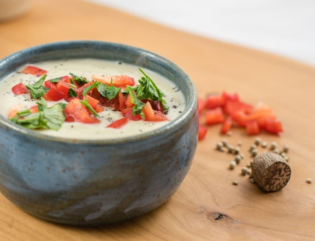Superfluffige vegane Blumenkohlsuppe