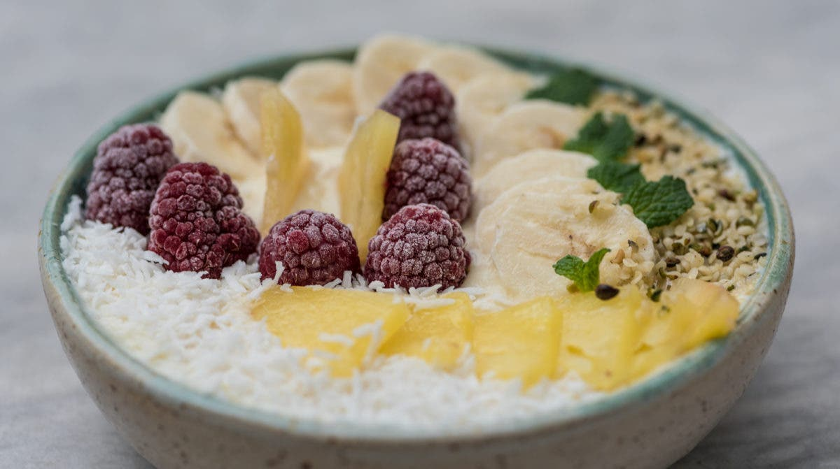 Pina_Colada_Smoothie_Bowl-2