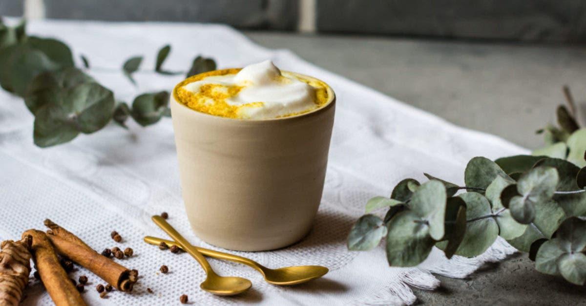 Kurkuma Latte – Goldene Milch mit Datteln, Ingwer und Zimt