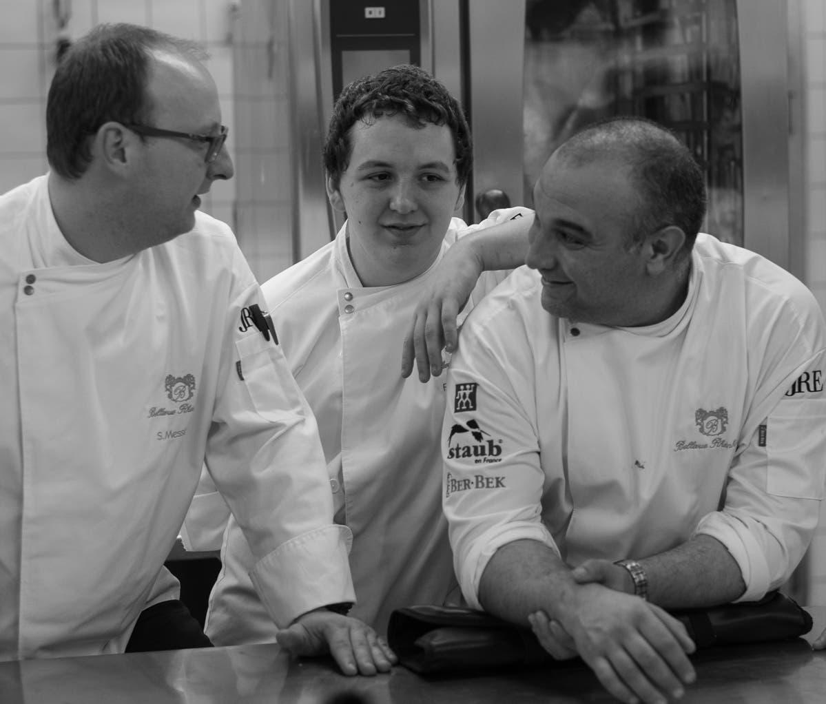drei männliche Jeunes Restaurateurs