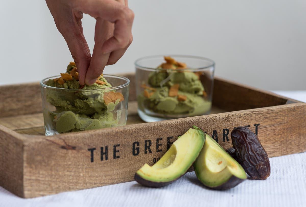 Vegane Matcha Eiscreme mit Avocado