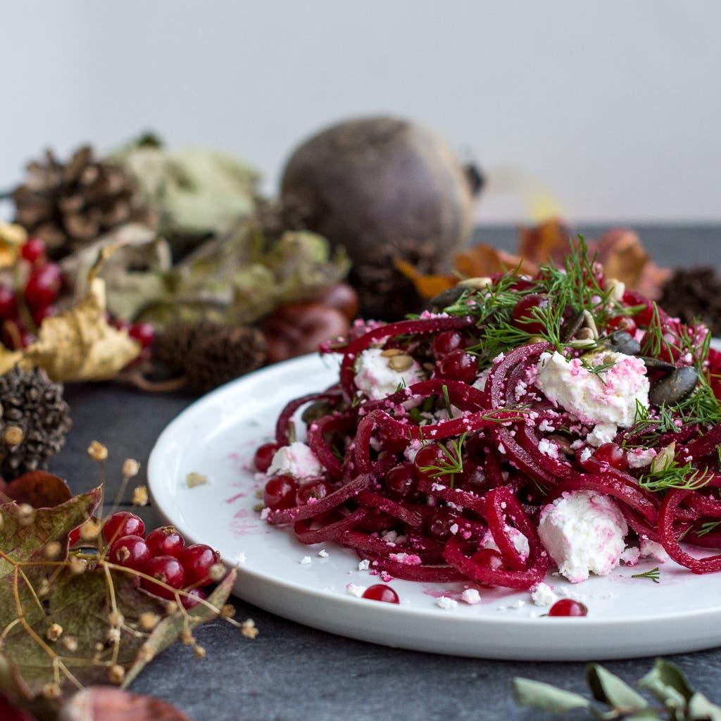 Leichte Sommer Rezepte: Rote Bete Salat mit Ziegenkäse