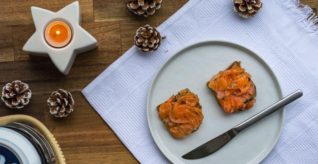 Graved Lachs mit Frankfurter Twist ganz einfach selber machen - mit Schritt für Schritt Anleitung!