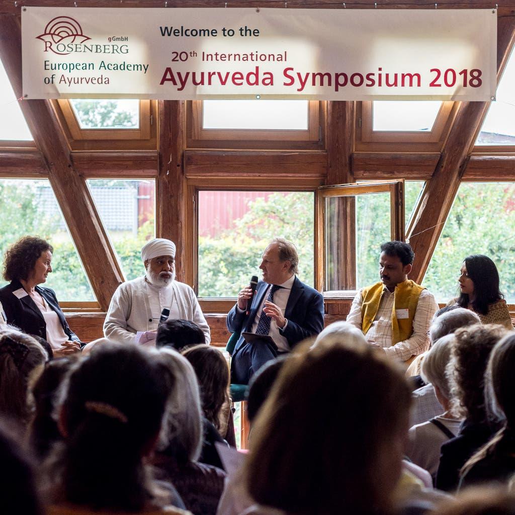 Gesprächsrunde beim Ayurveda Symposium 2018