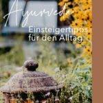 kleine Steinlaterne im Garten der Ayurveda Akademie in Birstein