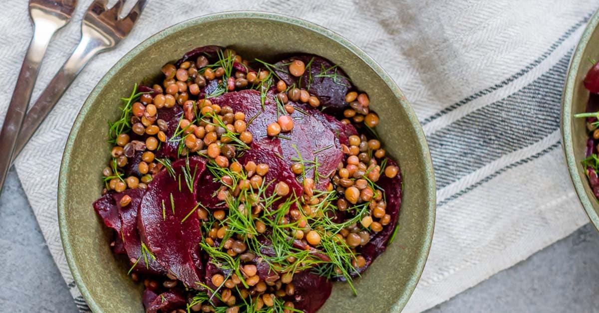 Rote Bete Salat mit Linsen und Dill – Hit aus dem Vorrat!