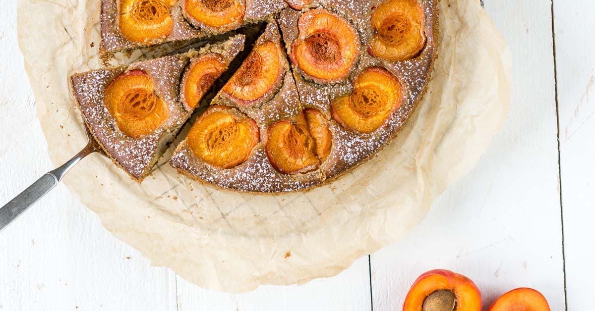 Einfacher Aprikosenkuchen – blitzschnell in einer Schüssel zusammengerührt!