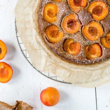 Topshot einfacher Aprikosenkuchen